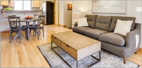 รีโนเวทห้องนั่งเล่น รีโนเวทบ้านทาวน์เฮ้าส์ บริการรับออกแบบตกแต่ง บริษัทรับรีโนเวทบ้าน