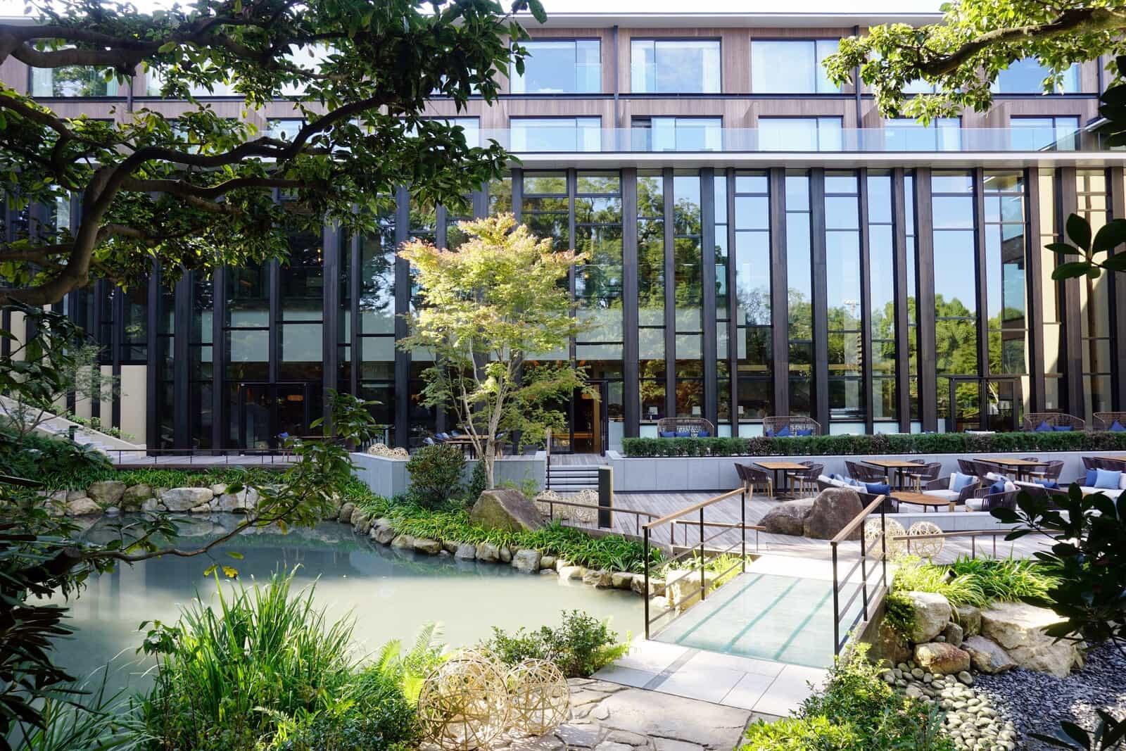 รับออกแบบสวนทุกรูปแบบ รับจัดสวนสวย รับตกแต่งสวน รับออกแบบจัดสวนโดยทีมงานมืออาชีพ ออกแบบสวนครบวงจร จัดสวนในที่ทำงานและบ้าน สวน