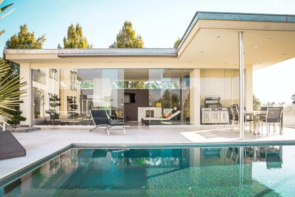 แบบบ้านชั้นเดียวสไตล์โมเดิร์น บ้านโมเดิร์นชั้นเดียว 2 ห้องนอน 1 ห้องน้ำแบบ บ้าน โม เดิ ร์ น ชั้น เดียว สวย ๆ แบบบ้านโมเดิร์นชั้นเดียว2ห้องนอน